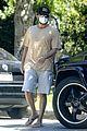 bradley cooper mask santa monica august 2020 01