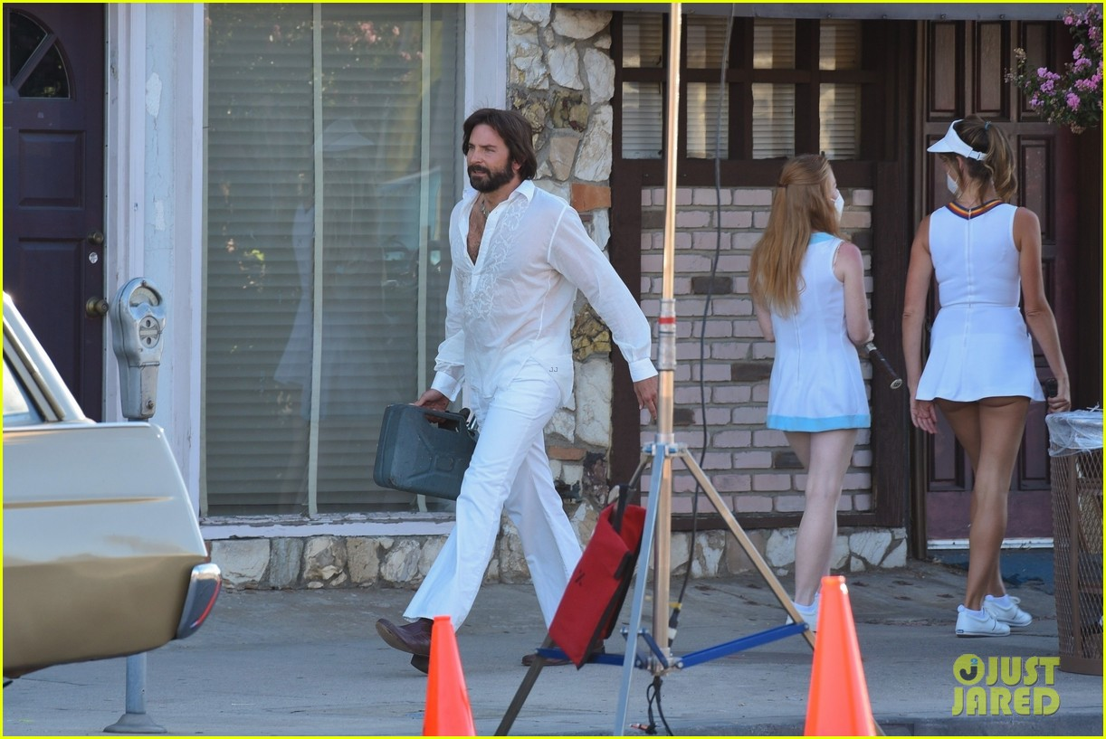bradley cooper straight out of 70s set of new movie 06