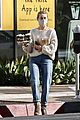 julianne hough gets coffee with mom 09