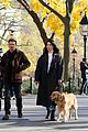 hailee steinfeld jeremy renner with lucky the pizza dog 13