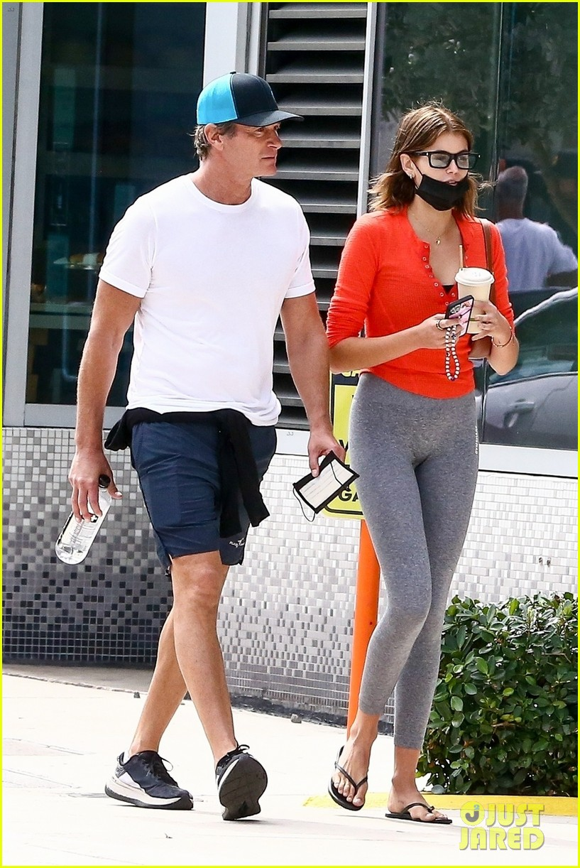 cindy crawford birthday outing with rande kaia gerber 05