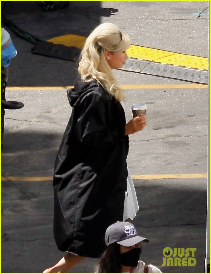lily james as pamela anderson first set photos 04