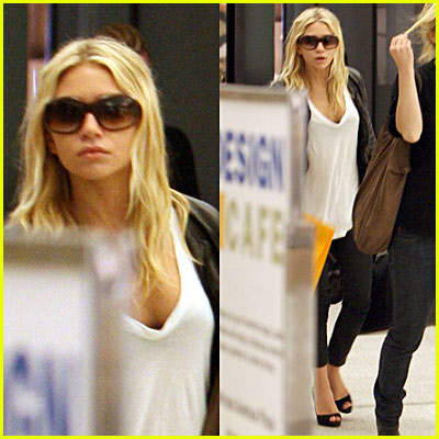 Ashley Olsen Shopping