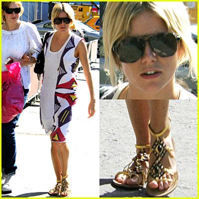 Sienna Miller: Miu Miu Sandals!