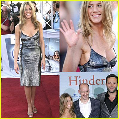 Jennifer Aniston in a SILVER (?!) Dress