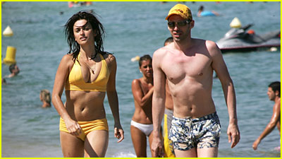 Penelope Cruz: Bikini Pictures