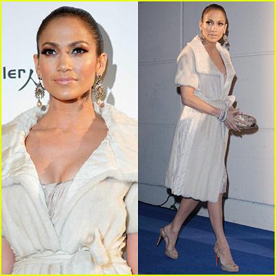 Jennifer Lopez is a Winter Wonderland