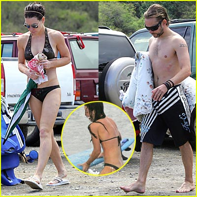 Evangeline Lily: Bikni Bottoms Away!