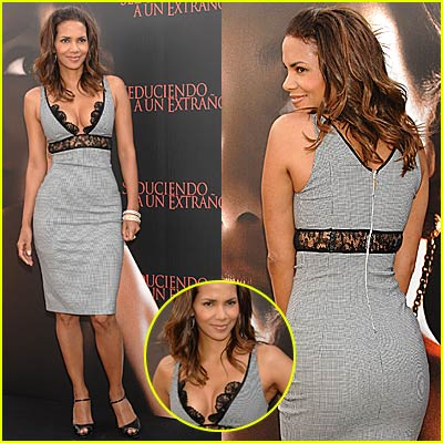 Halle Berry: Luscious in Lace