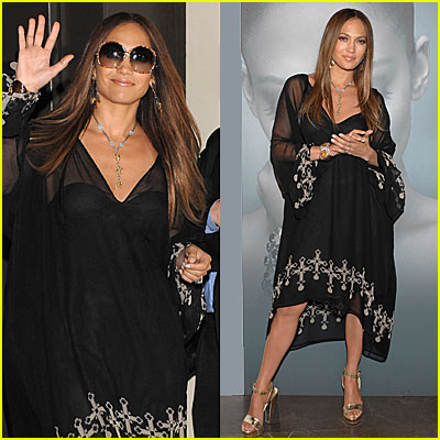 Jennifer Lopez Does it Beckham Style