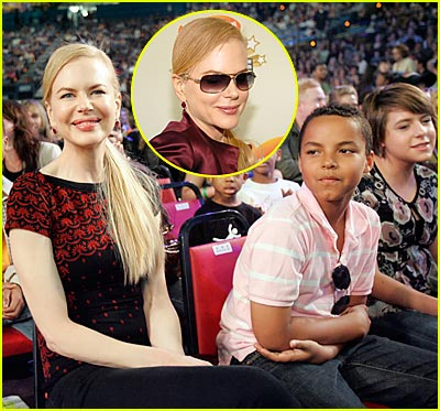 http://cdn03.cdn.justjared.comnicole-kidman-connor-isabella-kids-choice-awards.jpg