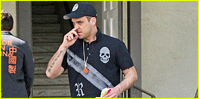 Robbie Williams Cleans Up Well