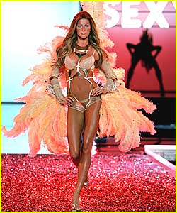 Gisele Clips Her Victoria's Secret Wings