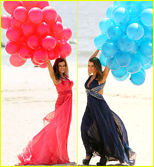 Jessica Simpson is a Balloon Babe