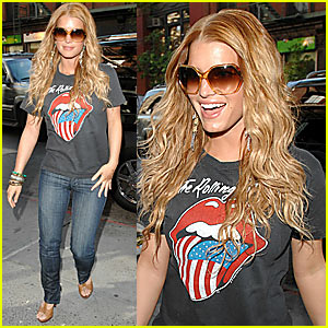 Jessica Simpson Can't Stop Smiling