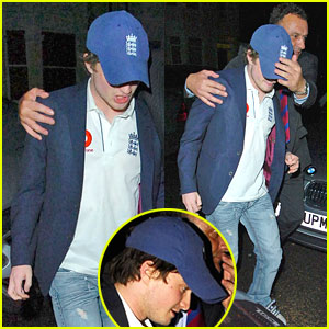 Daniel Radcliffe Parties with Mummy