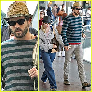 Ryan & Scarlett Hold Hands in Public