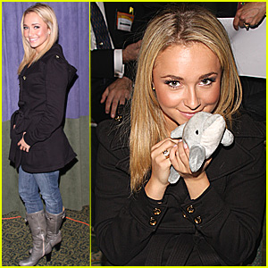 Hayden Panettiere's New Pet Dolphin