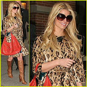 Jessica Simpson is Luscious in Leopard
