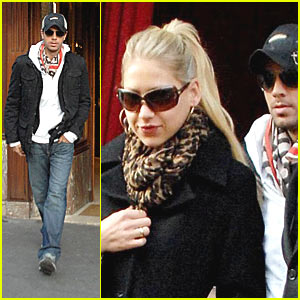 Enrique Iglesias Escapes Anna Kournikova