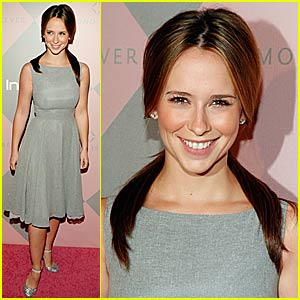 Jennifer Love Hewitt's Diamond is Forever
