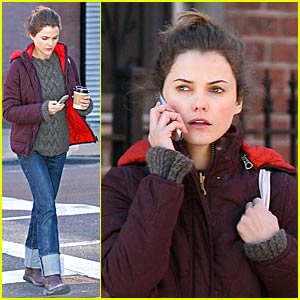Keri Russell Pays Her Respects For Heath Ledger