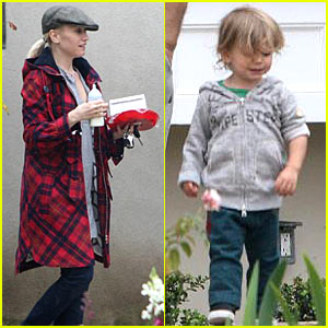Gwen Stefani and Kingston - Grandparent's Getaway