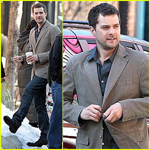 Joshua Jackson is a Fringe Freak
