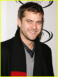 Joshua Jackson is on th