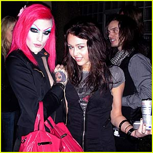 Miley Cyrus Hangs with Jeffree Star