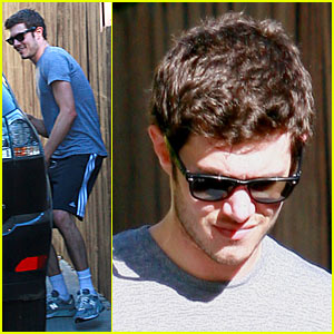 Adam Brody is a Workout Wonder