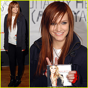 Ashlee Simpson is a Ginger Girl