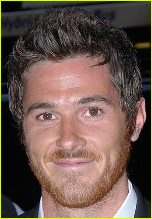 Dave Annable's Mismatching Head of Hair