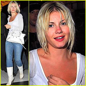 Elisha Cuthbert is a Cat at Katsuya