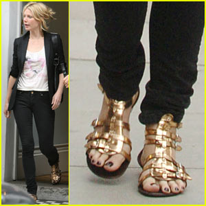 Gwyneth Paltrow Goes Gladiator