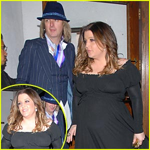 Lisa Marie Has a Big Baby Bump