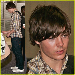 Zac Efron Jets to High School Musical 3