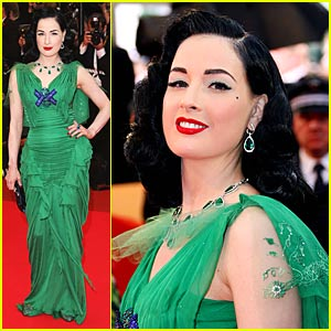 Dita Von Teese Gets the Green Light