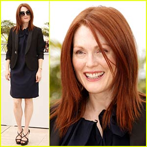 Julianne Moore is Stuck in Blindness