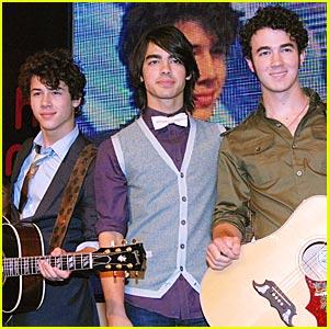 The Jonas Brothers Hit Up HMV