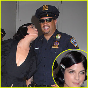 Selma Blair Cops a Kiss