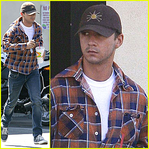 Shia Labeouf Makes Robek's Run from the Cops