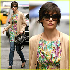 Katie Holmes' Floral Explosion
