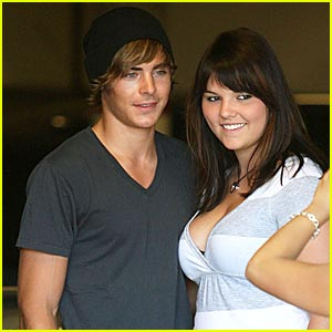 Zac Efron is Female Fan Friendly