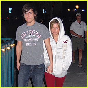 Ashley Tisdale & Jared Murillo Do Dinner