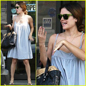 Rachel Bilson: It's a Piece of Cake!