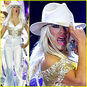 Christina Aguilera Gets Abu Dhabi Dirty