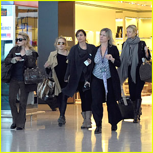 Gwyneth & the Olsen Twins Travel Together