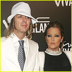 Lisa Marie Presley Welcomes Twin Girls!