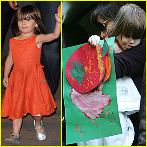 Suri Cruise Shows Off Artwork